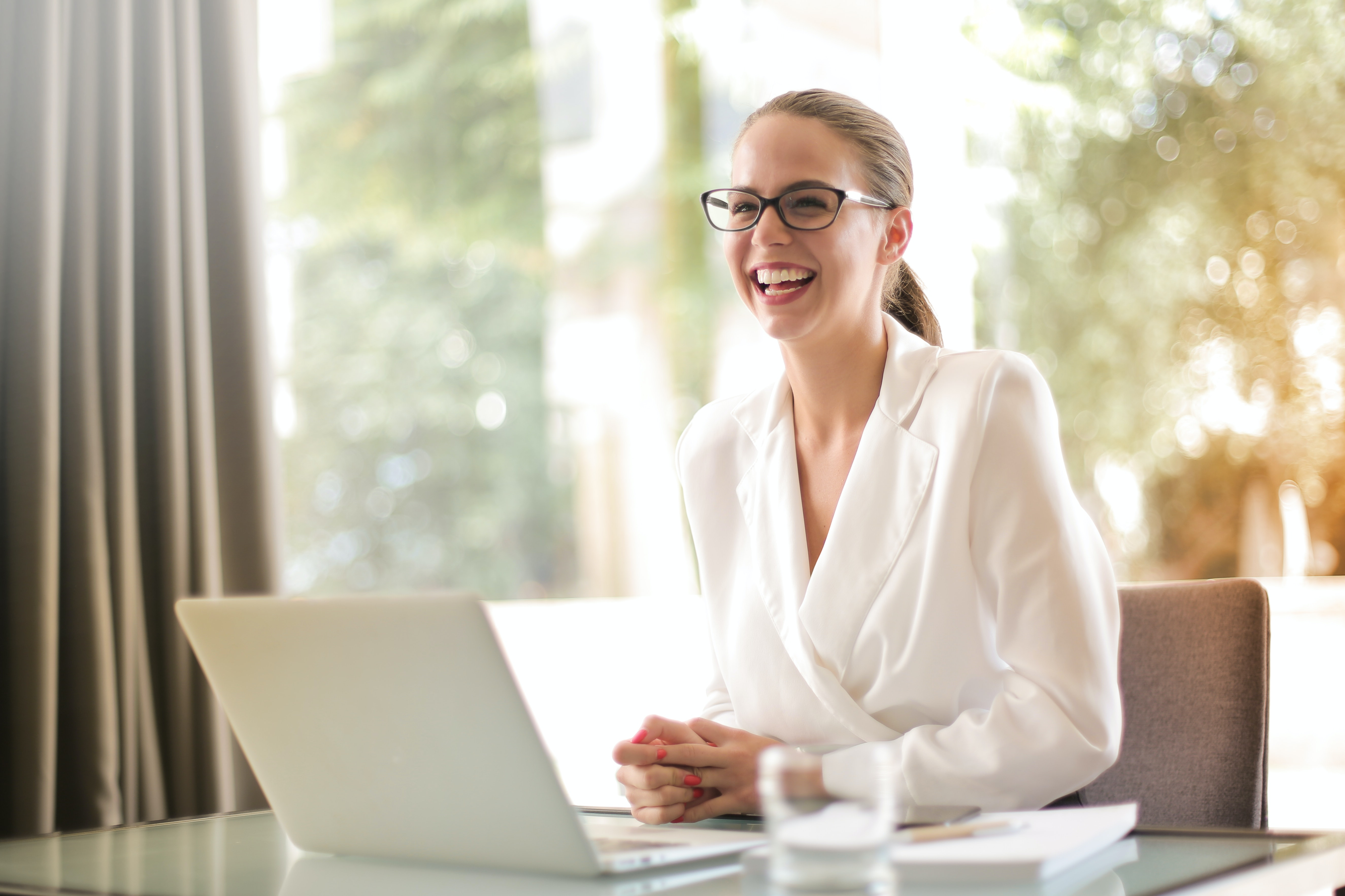6 signs you've got the most effective dental office manager